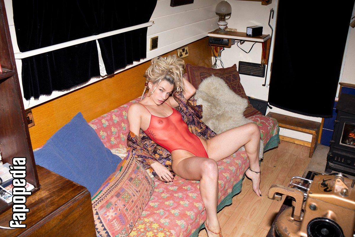 Natalie Phillips Nude Leaks