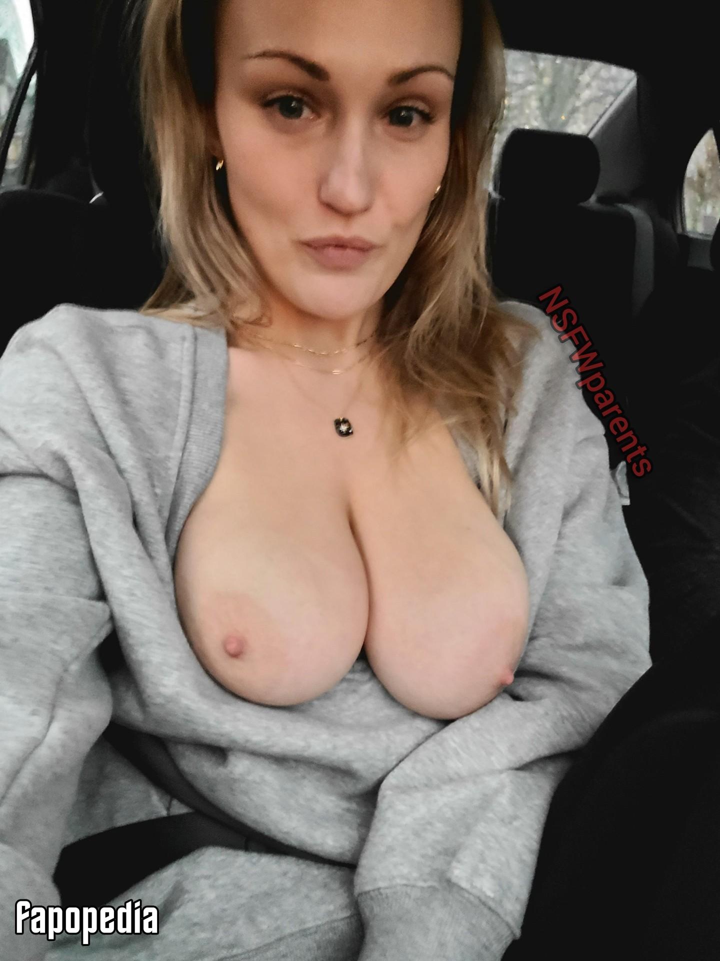 Nathalie Aussant  nackt