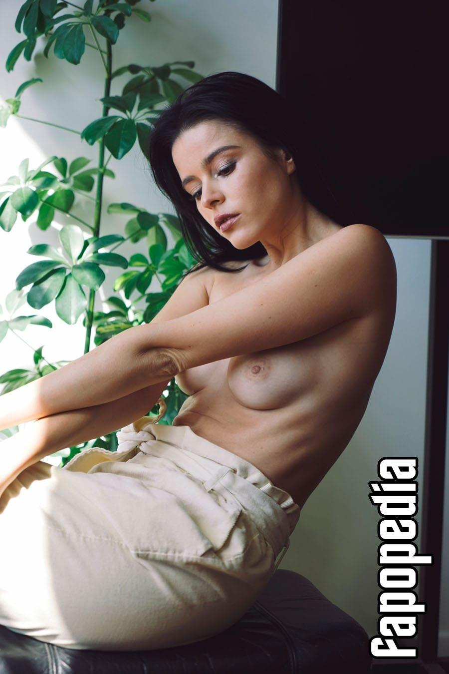 Nackt Isabella Seibert  Discover Isabella