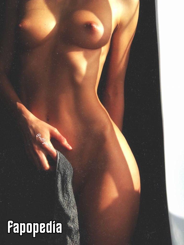 Prettyevilx Nude Leaks