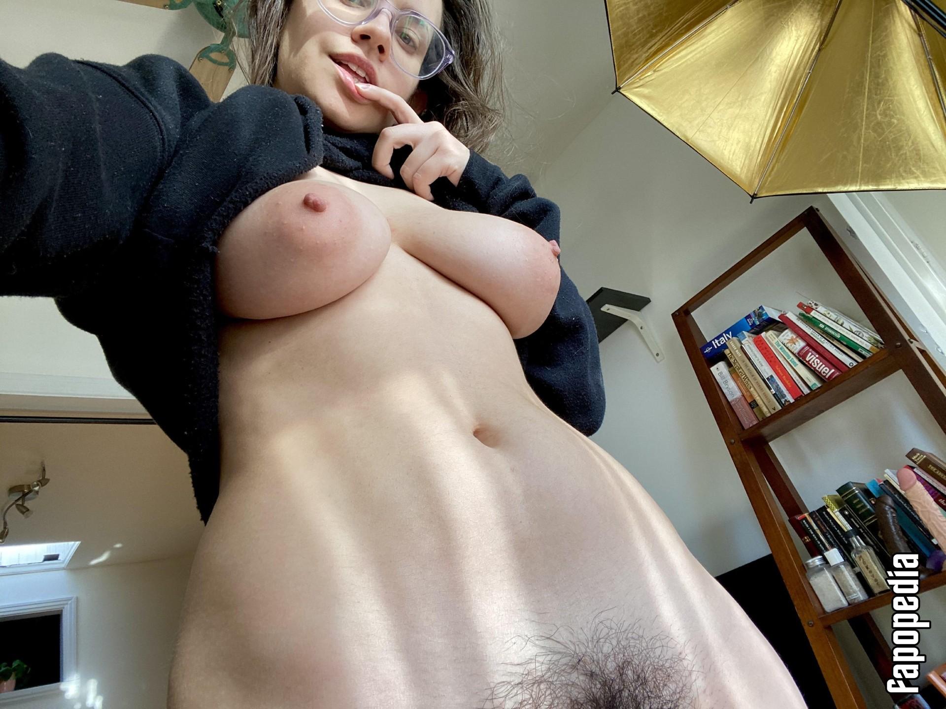 Quinnfinite Nude OnlyFans Leaks