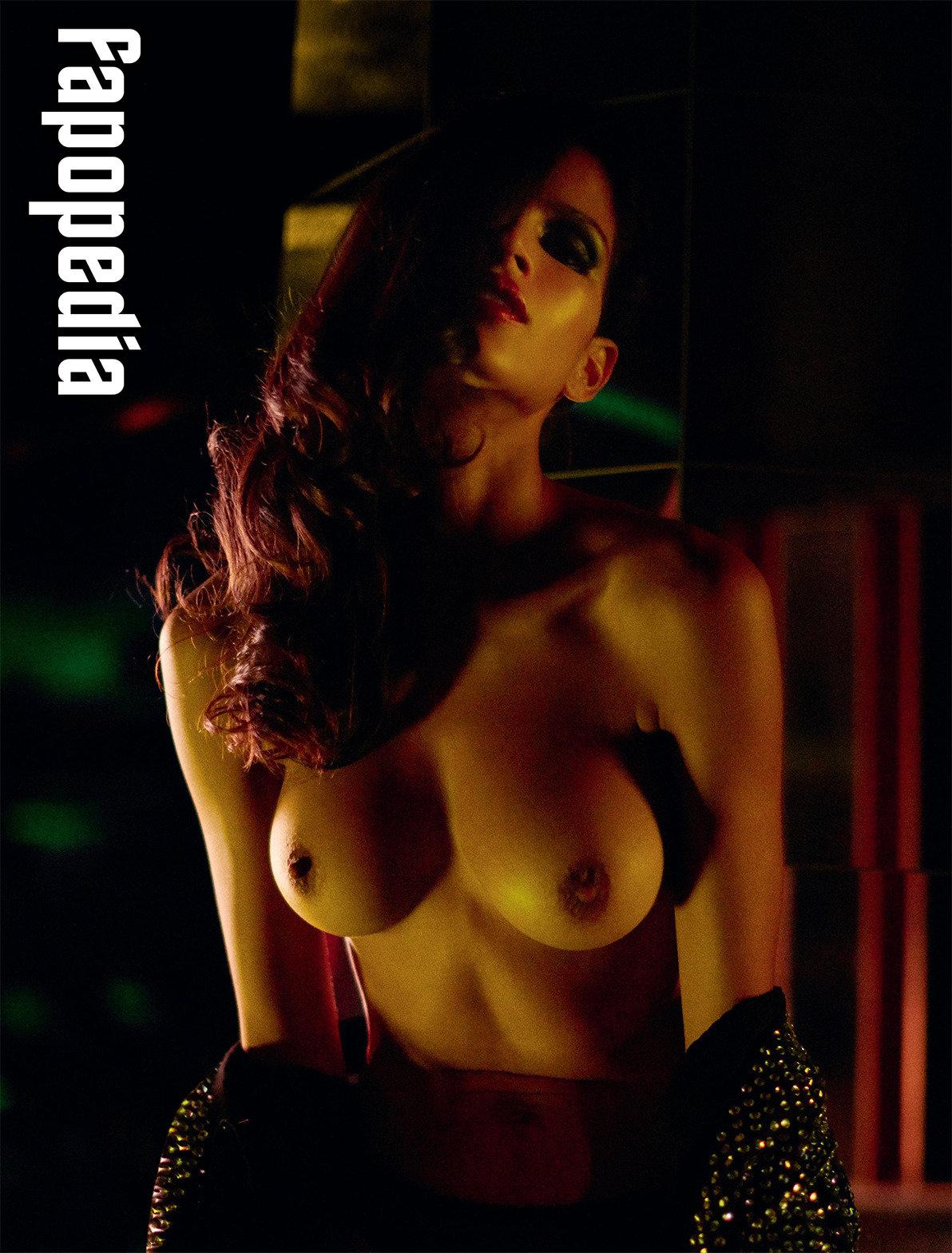Raica Oliveira Nude Leaks
