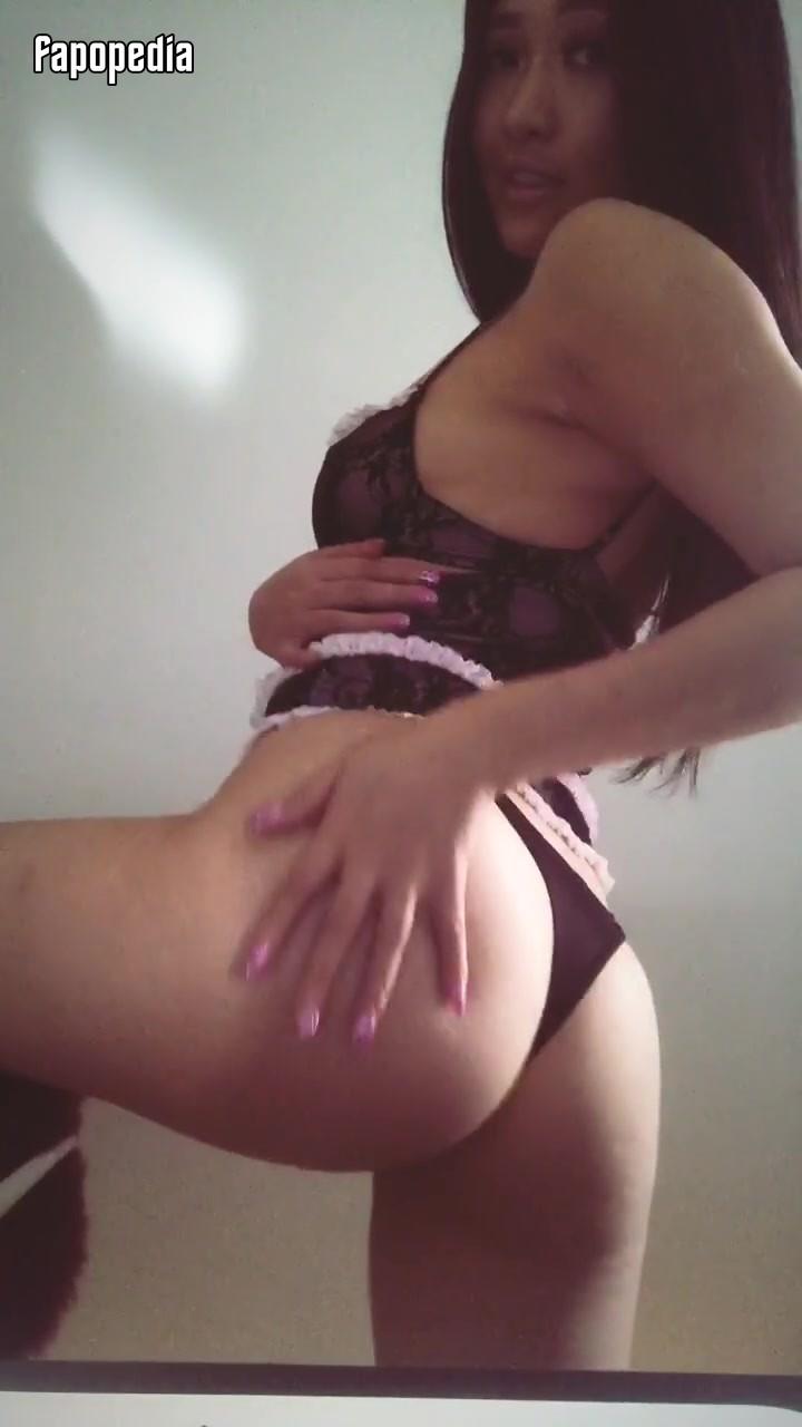 ReinaT Nude OnlyFans Leaks