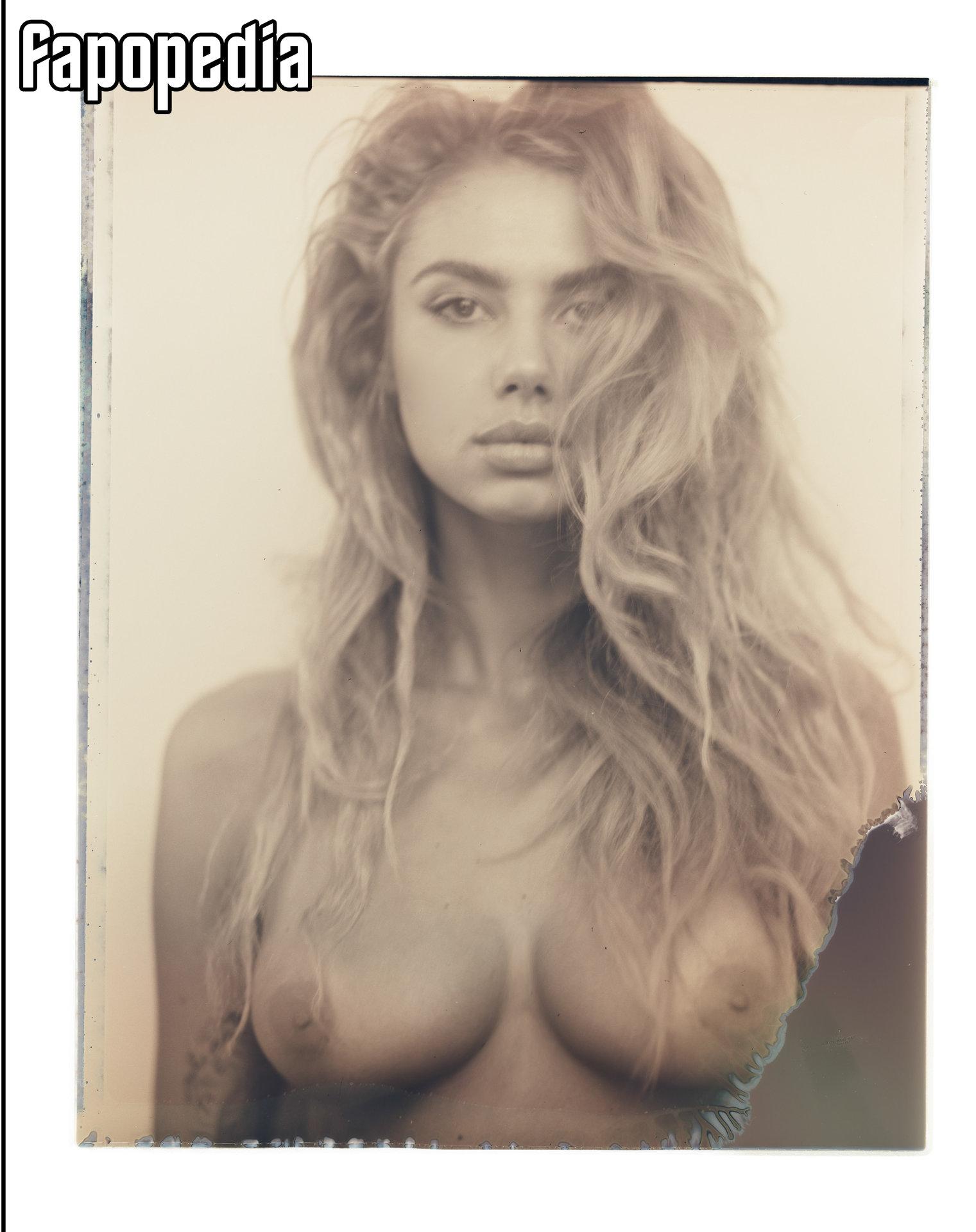 Crutchfield nackt Sacha  41 Sexiest