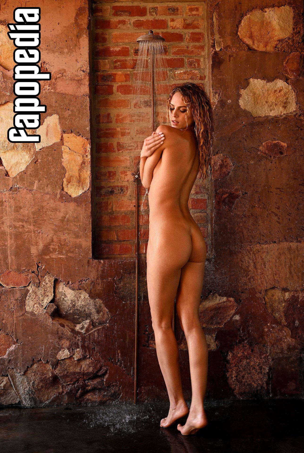 Simone Kowalski Nude Leaks