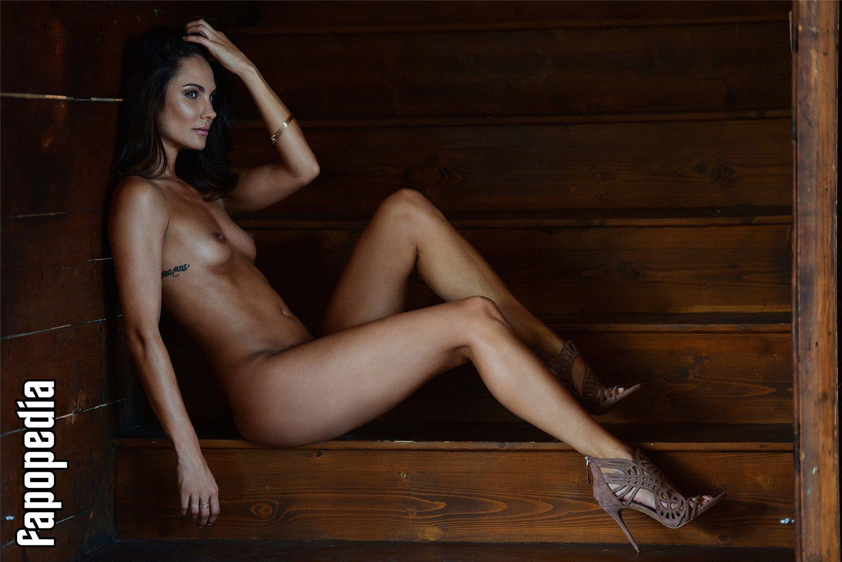 Simone Voss  nackt