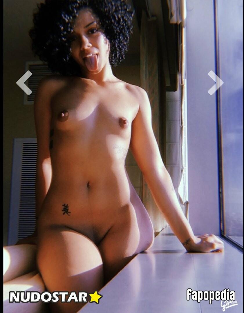 Theonlysfarari Nude Leaks