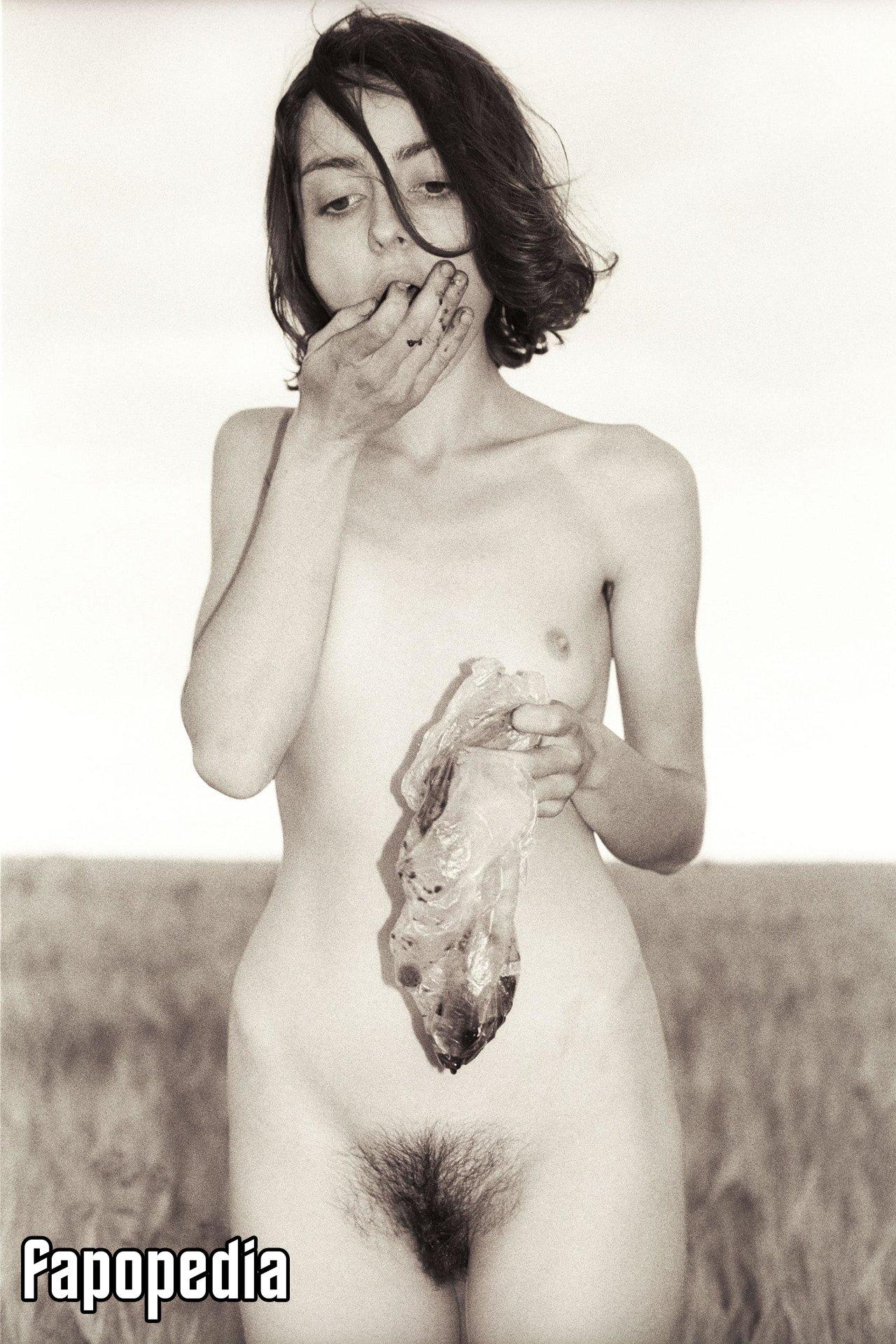 Tina Deli Nude Leaks