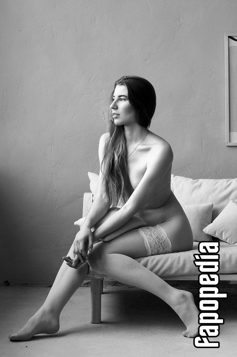 Tisa Right Nude Leaks