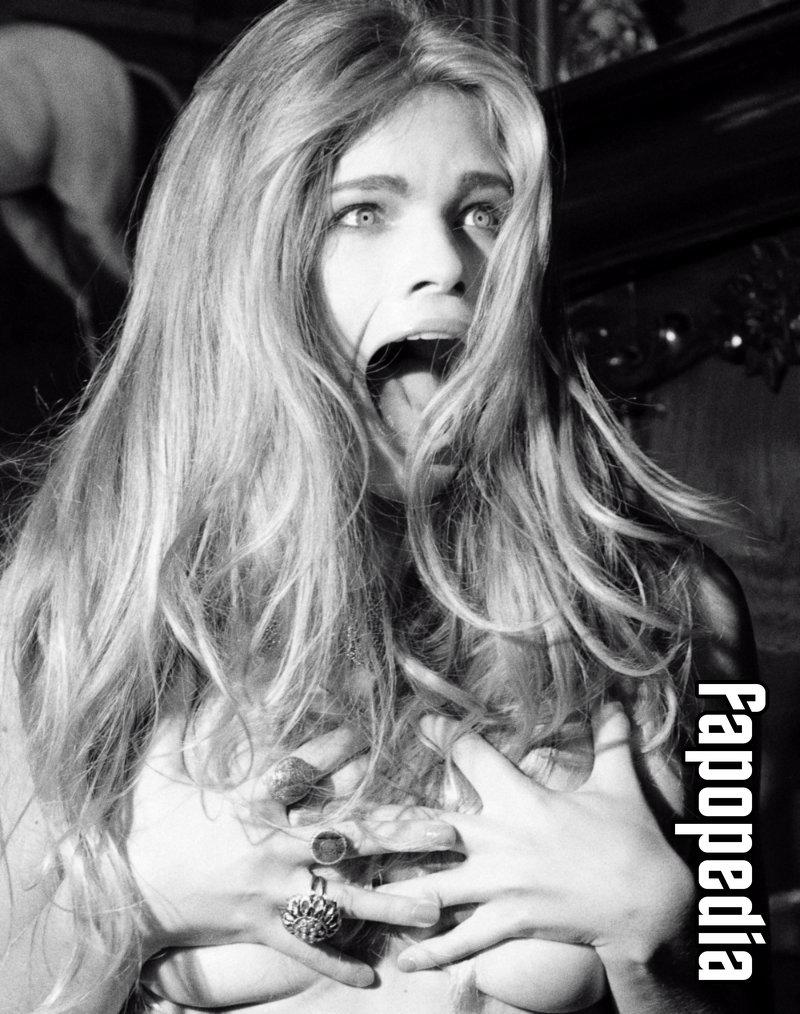 Valerie Van Der Graaf  nackt