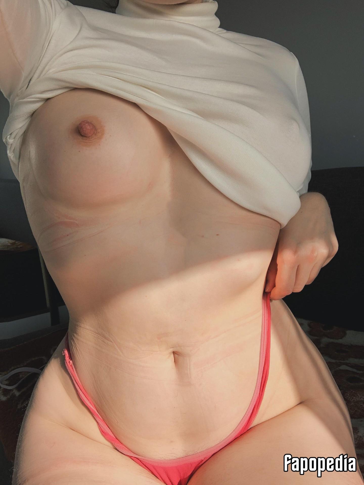 Ahna Tessler  nackt